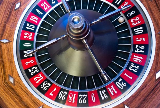 Roda Roulette dengan kemenangan 8