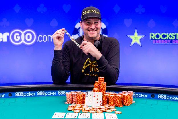 Hari Ini dalam Sejarah WSOP: Hellmuth Memperpanjang Rekor Dengan Gelang No. 15
