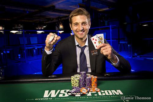 """Tony """"Panoramic"""" Dunst Wins Event # 21: $ 777 NLH 6-Handed untuk Gelang Emas Kedua ($ 168.342)"""